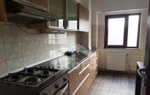 Apartament de vânzare cu 4 camere, Nicolina